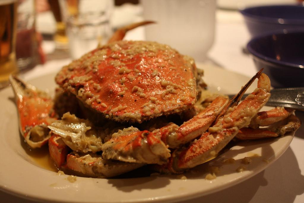 host a non traditional pescatarian thanksgiving dinner dungeness crab. Black Bedroom Furniture Sets. Home Design Ideas